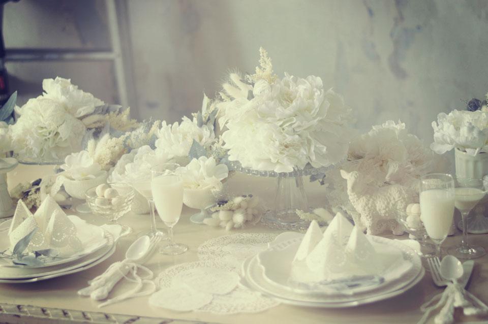 白テーブルコーデ