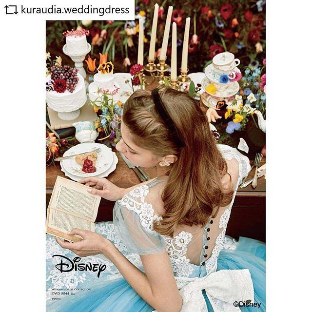 クラウディアさんからリリースされたアリスのウエディングドレス!カタログ撮影のテーブルコーデをスタイリングさせていただきました!#REPOST  @kuraudia.weddingdress with @get__repost__app * * *゚・*:.。..。.:+・゚゚・*:.。..。.:+・゚゚・*:.。..。.:+・゚゚**『ふしぎの国のアリス』にインスパイアされたドレス🐇*1枚目 アリス/DWS0044(ブルー)ブルーのドレスにラッセルレースとリバーレースでエプロンをイメージしたアリスらしいデザインのドレスデコルテのラインやパフスリーブはソフトチュールを使用して透け感を出し、爽やかな雰囲気のフェミニンな一着です*2枚目 アリス/DWS0043(オフホワイト)袖やヨーク、リボンなどのディティールがアリスの清楚で可憐な可愛らしを感じさせるデザインのドレスリバーレースやプリーツオーガンジーを贅沢に使用した、高級感のある一着** ドレスショップ様には秋頃から順次入荷予定です**゚・*:.。..。.:+・゚゚・*:.。..。.:+・゚゚・*:.。..。.:+・゚゚**#disney #aliceinwonderland#disneyweddingdresscollection#wedding #weddingdress #dress#bridal #colordress #whitedress#ディズニー#ディズニーウエディングドレスコレクション#ふしぎの国のアリス #alice #アリス#カラードレス #ブルー #ブルードレス#blue #bluedress #ホワイトドレス#ウェディングドレス #whitedress#ディズニードレス #結婚式 #結婚#プレ花嫁 #卒花嫁 #花嫁#カラードレス#クラウディア #kuraudia**ディズニーオフィシャルホテルへの持ち込みはご遠慮いただいております。**゚・*:.。..。.:+・゚゚・*:.。..。.:+・゚゚・*:.。..。.:+・゚゚