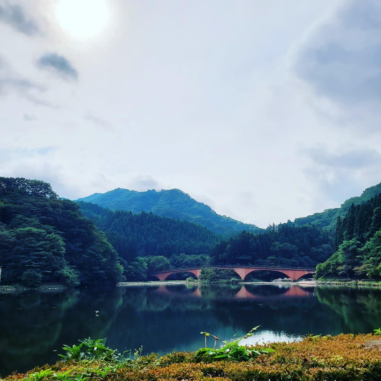 森と湖をロケハン。外ロケが気持ちの良い季節になってきました♡#アトリエ