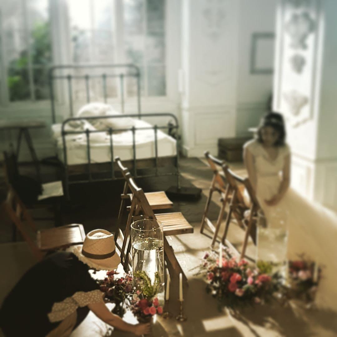 スタイリングのお仕事中#wedding #ゼクシィ#バージンロードの作り込みはお手のもの#ちょっとシュールで可愛い#スタイリスト判治ミホ
